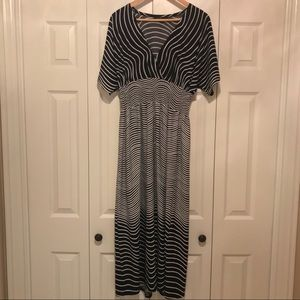 Black and white swirl stripe maxi dress